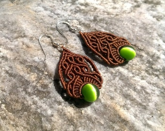 Cute Marries - Macrame handmade earrings with green cat eye beads, bohemian style, bohochic, boho
