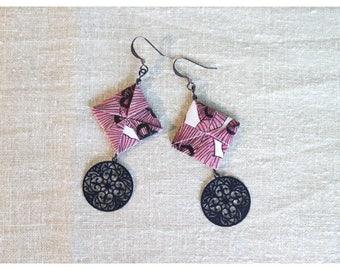 Black paper and Filigree earrings