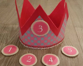 Size adjustable birthday crown (incl. Klettbuttons)