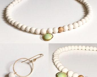 Porcelain delicate gold Necklace Collier