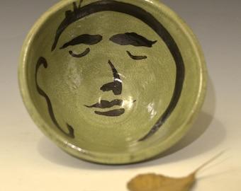Grüne Buddha Gesicht Servier Schüssel in Raku-Keramik