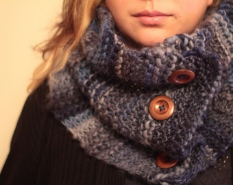 Chunky blue woollen yarn scarf / snood / cowl with wooden buttons