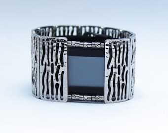FitBit Surge Cover Bracelet : Contemporary Sherwood in Silver with Window