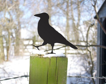 Raven Crow Garden Yard Art, Outdoor Bird Lawn Ornament for Gate, Fence or Roof