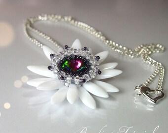 Beading tutorial Fairy's Lily pendant, how to make a beaded flower pendant using Swarovski rivoli and dagger beads