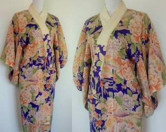 Vintage 1930s silk Japanese Kimono/ floral Kimono Robe Duster/ Lounging apparel/boudoir wear