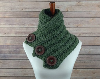 SALE! 10 Dollars Off! ALPACA Chunky Forest Green Three-Button Cowl. Super Soft Alternative to Wool. Great Gift.