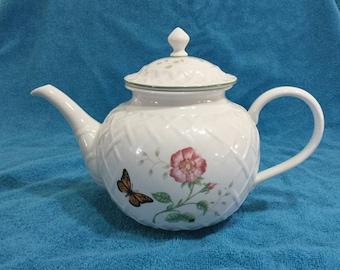 Lenox Butterfly Meadow Sculptured Teapot Monarch & Pink Flower Yello Butterfly Porcelain