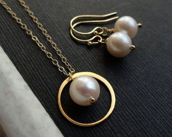 Bridesmaid jewelry sets, necklace & earring Sets, Gold jewelry for bridesmaids, Freshwater pearls, Bridesmaid gifts, otis b, pearl jewelry