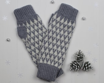 Knitted fingerless mitts - made in Great Britain from lambswool - grey and white arrow design - fingerless gloves for women