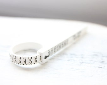 Plastic ring sizer, multisizer, ring size finder, ring measurement, finger measurement tool, finger sizing, ring sizing