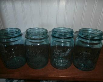 Vintage aqua Blue green canning Ball Perfect Mason pint jars set 4 four