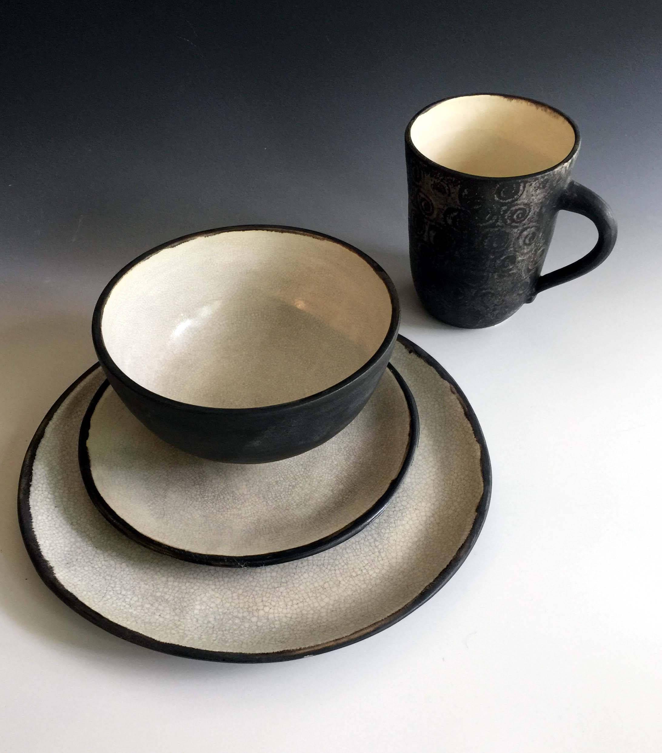new black and white dinnerware sets in matte glaze by leslie. Black Bedroom Furniture Sets. Home Design Ideas
