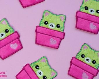 PATCH AUFNÄHER KATZE Katzen Kaktus Katkus Catcus - flauschige fluffy Aufnäher Patches auf Minky & Filz gestickt pink grün Pflanze