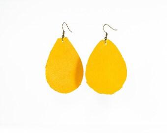 Leather Raindrop Earrings - Medium - Caramel