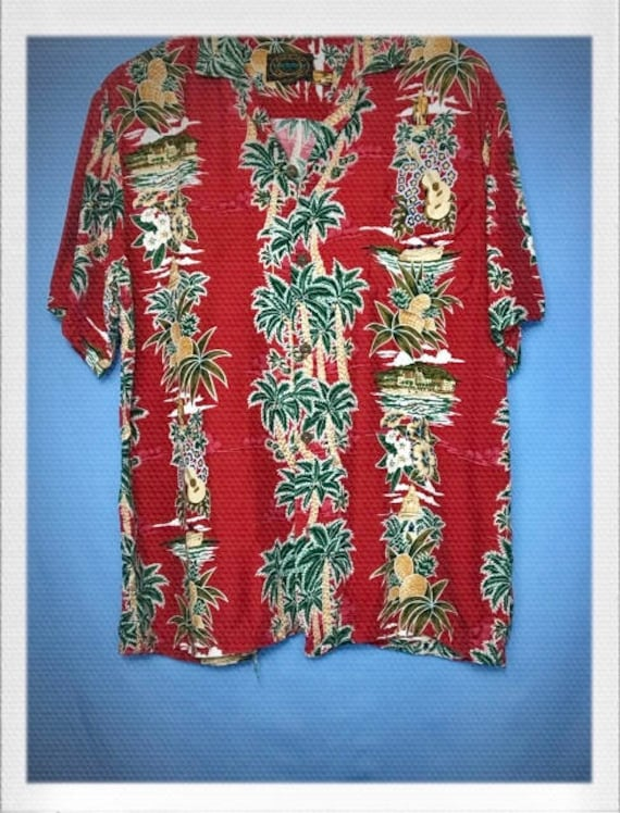 "Vintage Men's Hawaiian Shirt Size Medium 22"" width 28"" length"