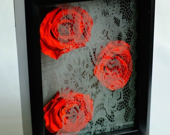 Lacey Roses Box