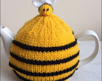 Hand Knitted Medium Bee Hive Tea Cosy with Bees *FREE UK POSTAGE*