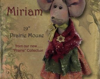 Pattern: Miriam the Christmas Mouse by Sparkles N Spirit