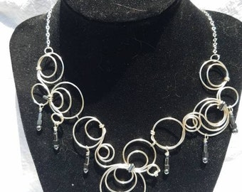 Circles and circles and jet dangles necklace with earrings