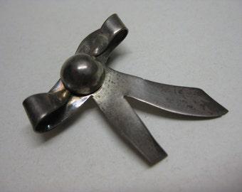 Sterling Bow Brooch Silver