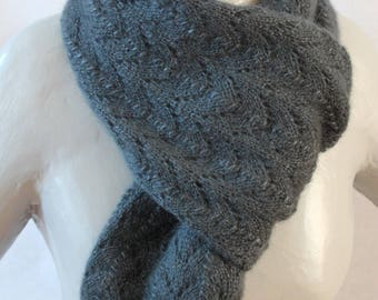 woman days slate color hand-knitted scarf