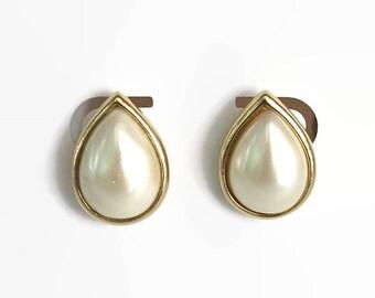 Vintage Trifari faux pearl post stud earrings in gold tone metal setting, tear drop shaped, classic, versatile