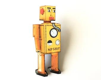 Yellow Retro Robot Pin, Wooden Robot Pin, Cool Robot Pin, Yellow Robot Brooch, Fantasy, Sci-Fi, Industrial, Vintage, Geek