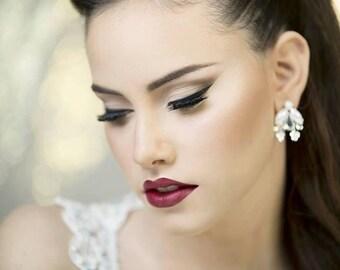 Bridal earrings, wedding jewelry, pearl earrings