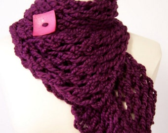 Chunky Knit Button Scarf in Purple Pink,  Knit Button Scarf Purple, Chunky Knit Short Scarf With Button, Big Knit Button Scarf Purple Pink