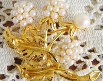 Vintage MJ Enterprises Faux Pearl Flower Brooch Gold Tone Signed Pin Fashion Jewelery