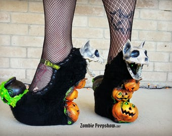 """Halloween """"All Hallow's Eve"""" Bubbling Cauldron Wedges"""