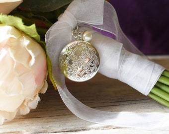 Round Bouquet Locket, One Only Round Locket, Wedding Keepsake,Embossed Pattern Bouquet Locket