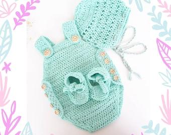 Newborn set/cotton romper/christening/Baby romper/handmade baby boots/