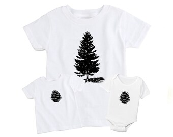 Set of 2 Mother / Father & Daughter / Son Matching T-Shirt - Monochrome Pine Cone and Pine Tree - Christmas