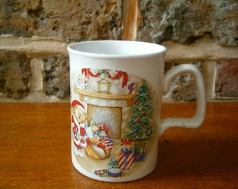 Vintage Christmas Themed Ashdale Mug - Teddy bear