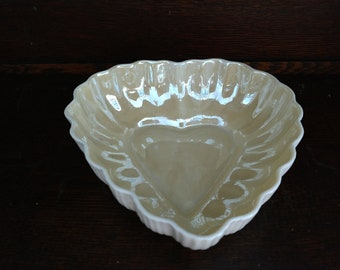 Vintage Belleek Irish Porcelain China Heart Shaped Bowl