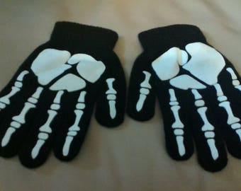 Glow in the Dark - Knit Skeleton gloves