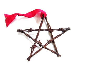 4th of July Stars . Barbed Wire Star Ornament . rustic ornaments . country wedding favors . western ornaments . metal stars