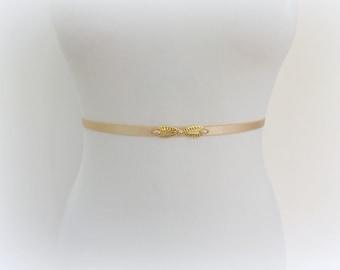 Champagne elastic waist belt. Thin Belt. Nude belt. Pearls belt. Golden belt. Bridal belt. Bridesmaids belt. Wedding belt. Skinny belt.