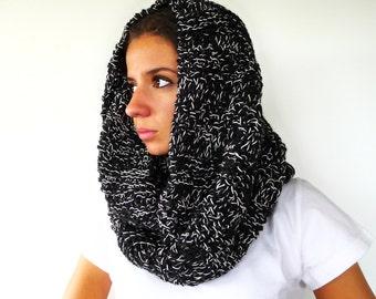 Bufanda capucha negra para mujer. Bufandas de lana originales. Cuellos de punto hechos a mano. Bufandas tejidas. Ideas para regalar