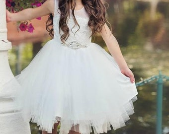 Stunning Flower girl dress,Off White lace flower girl dress, Tulle dress, toddler flower girl dress, rustic flower girl dress country baby