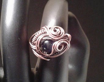 Twisted copper wire ring, size 6.25, with lapis lazuli bead