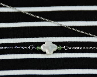 Jewelry for Sister, Everyday Necklace, Mother of Pearl Clover Necklace, Everyday Gift for Daughter, Everyday Jewelry for Sister, Necklace