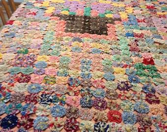 Vintage Handmade YoYo Bedspread or Coverlet - Full Bed