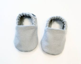 Grey Baby Booties, Baby Gifts, Gray Baby Crib Shoes, Grey Baby Moccs, Gray Baby Shoes, Grey Baby Shoes, Grey Baby Slippers, Gray Slippers