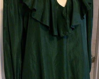 Vintage 70's Gloria Vanderbilt Silk Crepe Blouse, Hunter Green  Ruffle Collar, Size Small