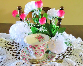 Royal Albert Chic Shabby White and pink roses Nell Gwynne Series Chelsea Bone China teacup,Chelsea teacup,Nell Gwynne teacup made in England