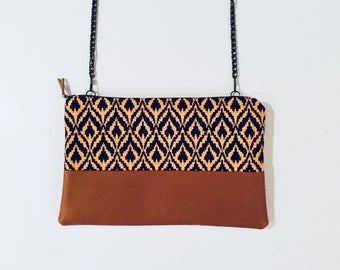 Clutch with detachable chain shoulder strap - model Jaffna