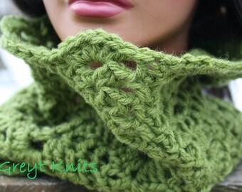 Oversized infinity scarf, chunky crochet scarf, crochet knit scarf, crochet infinity scarves, knit cowl chunky circle scarf